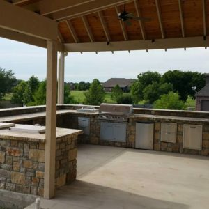 Outdoor Living Area & Kitchen w/ Pavilion
